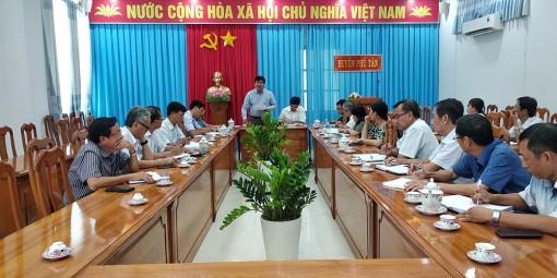 Phú Tân họp triển khai công tác phòng, chống dịch bệnh COVID-19