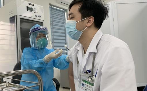 """Việt Nam xem xét thận trọng phương án cấp """"hộ chiếu vaccine"""""""