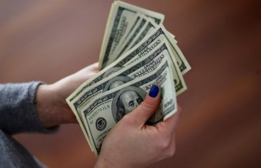 Tỷ giá USD hôm nay 17-4: USD tiếp tục dò đáy
