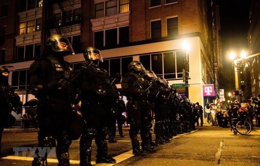 Cảnh sát Mỹ tuyên bố tình trạng bạo động tại thành phố Portland