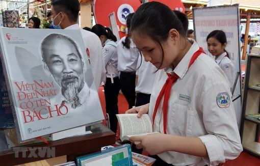 Ngày sách Việt Nam: Lan tỏa, phát triển văn hóa đọc trong cộng đồng