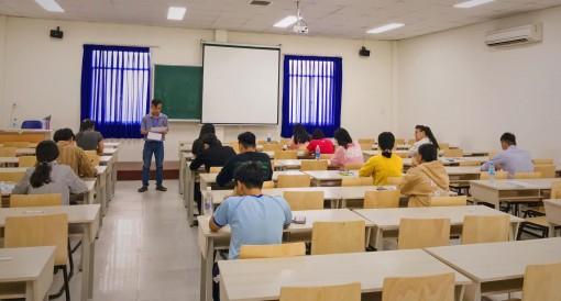 Vì sao nhiều trường đại học tư tổ chức thi riêng?