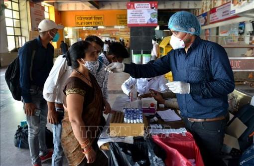Ngày 19-4, Ấn Độ thêm trên 273.800 ca mắc COVID-19