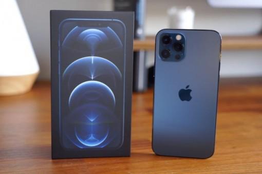 Giá iPhone 12 Pro Max giảm mạnh, xuống mức thấp nhất từ khi mở bán