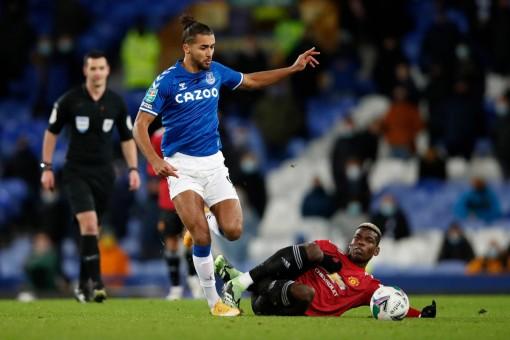 "MU ""tấn công"" Calvert-Lewin, Chelsea mua Sule"