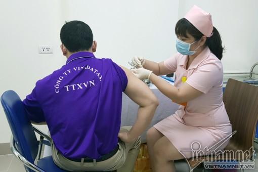 Vắc xin Covivac tiêm thử nghiệm xong mũi 1