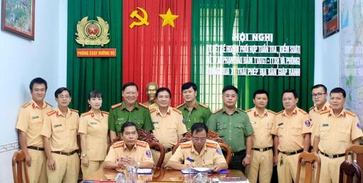 Cảnh sát Giao thông An Giang và Cần Thơ ký kết phối hợp tuần tra, kiểm soát địa bàn giáp ranh