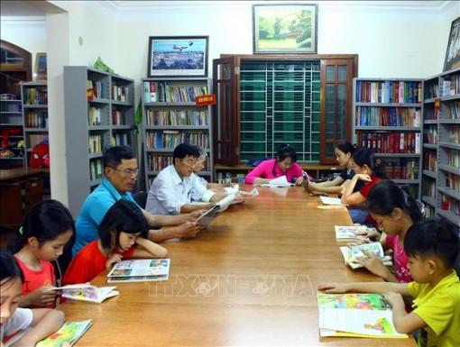 Ngày sách Việt Nam 21-4: Nuôi dưỡng thói quen đọc sách từ tuổi bé thơ