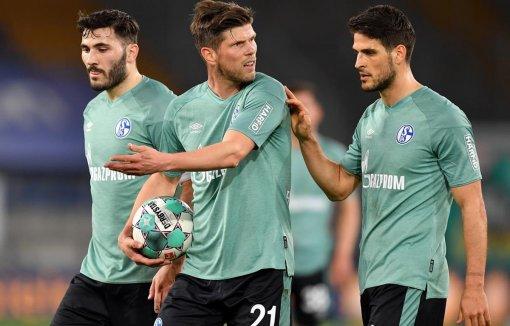 Bundesliga: Schalke 04 trở thành đội bóng đầu tiên xuống hạng