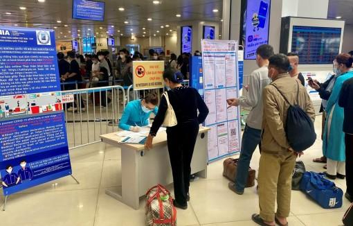 Hãng bay phải chịu trách nhiệm kiểm soát hành khách khai báo y tế
