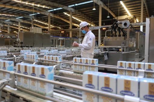 Vinamilk tiếp tục dẫn đầu ngành sữa nước trong nhiều năm