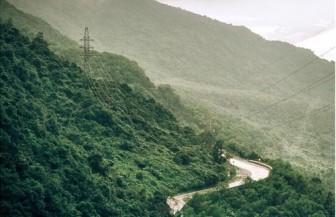 """""""Đường đèo trong mây"""" Hải Vân lọt top những cung đường đẹp nhất thế giới"""