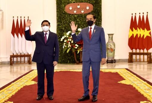 Thủ tướng Phạm Minh Chính gặp song phương Tổng thống Indonesia