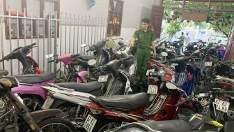 Công an Long Xuyên phát hiện 66  môtô nghi vấn ở cơ sở cầm đồ