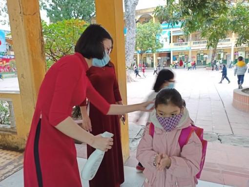 Học sinh Hà Nội tạm dừng đến trường từ ngày 4-5 phòng dịch COVID-19