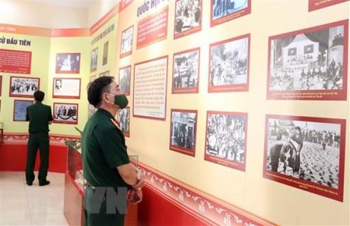 Triển lãm 'Quốc hội Việt Nam-Những chặng đường đổi mới và phát triển'