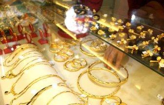 Giá vàng hôm nay 5-5: Mỹ ghi kỷ lục 4 thập kỷ, vàng tăng vọt