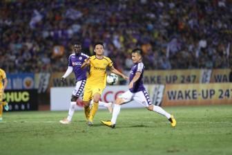 Hoãn vòng 13 V-League 2021