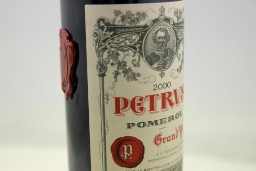 """Rượu vang """"du hành"""" vũ trụ được rao bán với giá 1 triệu USD"""