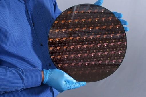 IBM ra mắt chip 2 nm đầu tiên thế giới