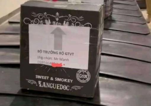 Mạo danh Bộ trưởng Bộ GTVT để gửi lô hàng tại sân bay Tân Sơn Nhất