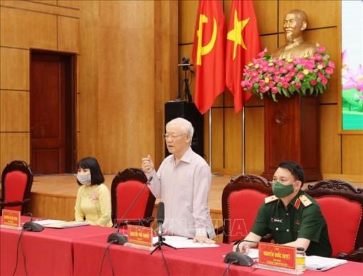 Tổng Bí thư Nguyễn Phú Trọng và các ứng cử đại biểu Quốc hội tham gia vận động bầu cử