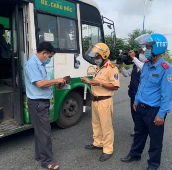 Châu Đốc tuyên truyền phòng, chống dịch bệnh COVID -19 trong hoạt động vận tải hành khách