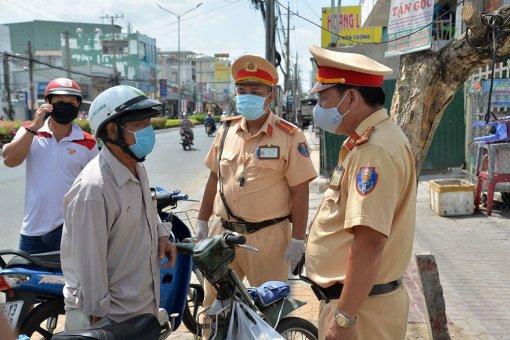 Xử phạt hành chính 377 trường hợp vi phạm trật tự an toàn giao thông