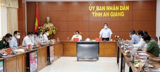 Thủ tướng Chính phủ Phạm Minh Chính họp khẩn với 6 tỉnh biên giới Tây Nam về công tác phòng, chống dịch bệnh COVID-19