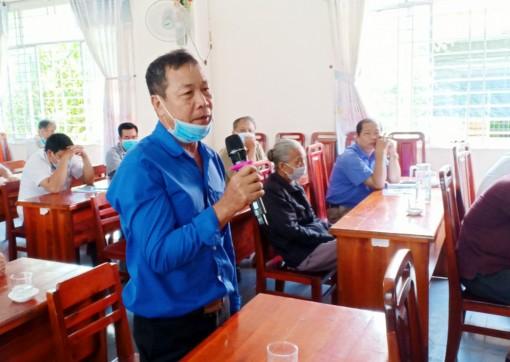 Ứng cử viên đại biểu HĐND tỉnh đơn vị bầu cử số 5 tiếp xúc cử tri huyện Châu Phú