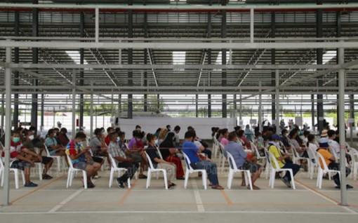 Số ca tử vong do Covid-19 ở Thái Lan vượt mốc 400