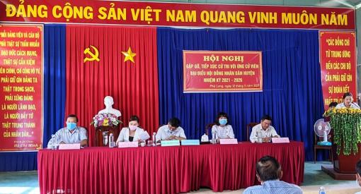 Ứng cử viên HĐND huyện Phú Tân tiếp xúc cử tri, vận động bầu cử