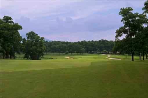 Hà Nội tạm dừng toàn bộ các hoạt động thể thao đông người, chơi golf từ trưa 13-5
