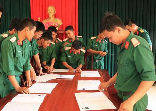 Lực lượng vũ trang tỉnh An Giang tập trung cho ngày bầu cử