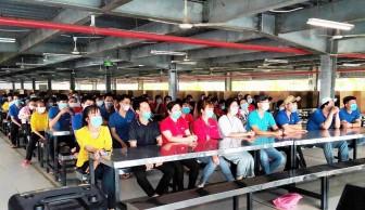 An Giang: Tuyên truyền về bầu cử cho công nhân trong khu công nghiệp