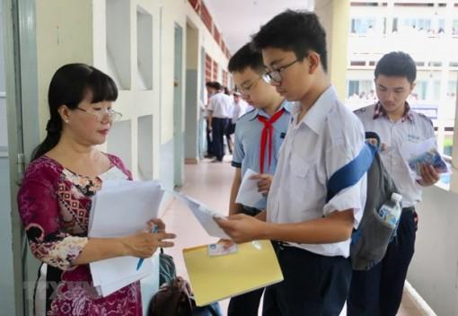 Dịch COVID-19 phức tạp, nhiều địa phương lùi lịch thi vào lớp 10