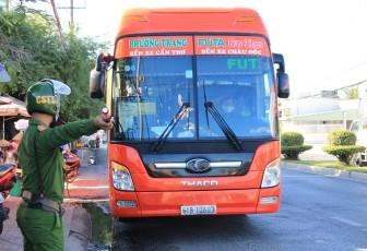 Từ 00 giờ, ngày 2-6-2021 tạm dừng toàn bộ hoạt động vận tải hành khách công cộng đi qua tỉnh Bạc Liêu, Trà Vinh