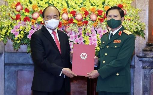 Chủ tịch nước trao Quyết định bổ nhiệm Tổng Tham mưu trưởng QÐND Việt Nam