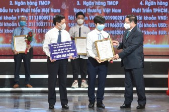 Thủ tướng Phạm Minh Chính: Trân trọng mọi đóng góp, huy động mọi nguồn lực để sớm có vaccine cho nhân dân