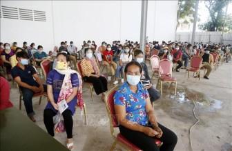 Diễn biến COVID-19 tại Campuchia tiếp tục gây lo ngại; Lào gia hạn phong tỏa lần 3