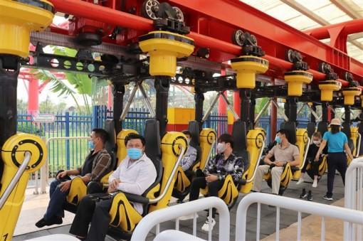 Quảng Ninh mở cửa trở lại các khu du lịch, đón khách nội tỉnh