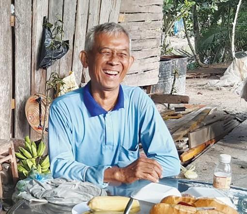 Lão nông bán đất lấy tiền làm từ thiện