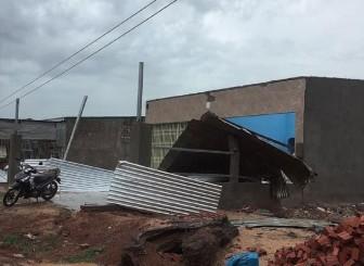Mưa lớn kèm lốc xoáy gây nhiều thiệt hại ở Ea Súp