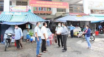 Kiểm tra phòng, chống dịch COVID-19 và công tác bình ổn thị trường tại chợ biên giới Tịnh Biên, siêu thị Tứ Sơn và siêu thị Co.op Mart