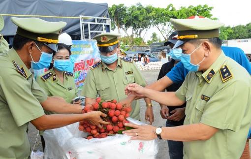 An Giang tiếp nhận lô vải thiều đầu tiên hỗ trợ tỉnh Bắc Giang tiêu thụ