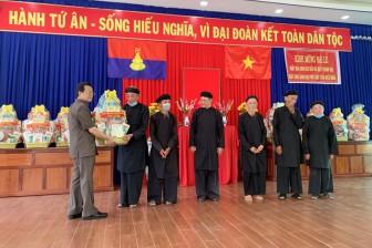 Bí thư Tỉnh ủy An Giang Lê Hồng Quang chúc mừng Phật hội Tứ Ân Hiếu Nghĩa