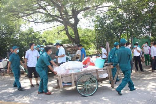 Sạt lở nguy hiểm trên tuyến Tỉnh lộ 946, khu vực xã Long Kiến, 11 căn nhà nguy cơ rơi xuống sông