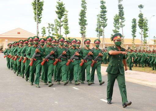 Trung đoàn 892 tổ chức tuyên thệ chiến sĩ mới năm 2021
