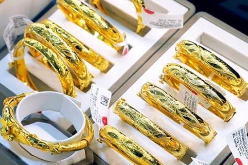 Giá vàng hôm nay 12-6: Hai thương hiệu lớn nâng mức giá của vàng SJC lên thêm 200.000 đồng/lượng