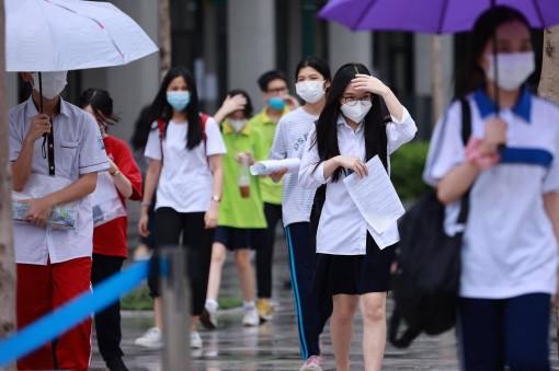 Thi lớp 10 ở Hà Nội: Dự kiến điểm thi, điểm chuẩn đều cao